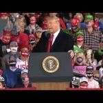 Сторонники Трампа и Байдена массово вооружаются перед выборами