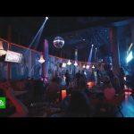 «Богу молились, чтобы ввели QR-коды»: подмосковные бары переносят ночные концерты